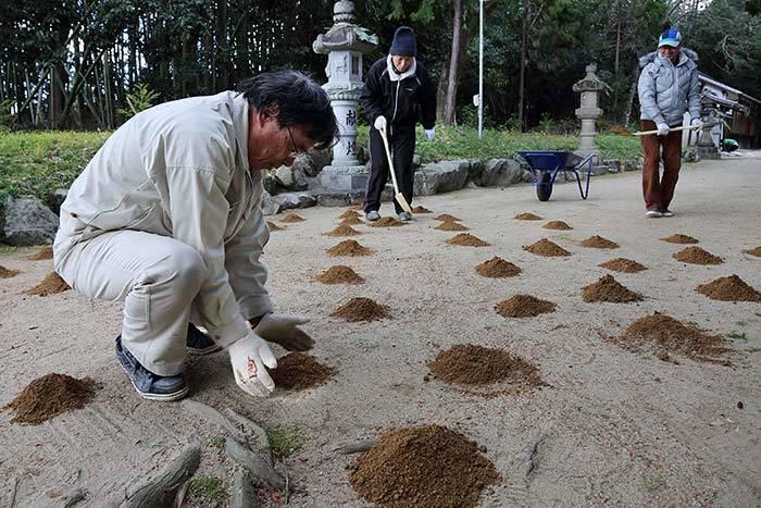 佐紀神社(西畑) 砂モチ2