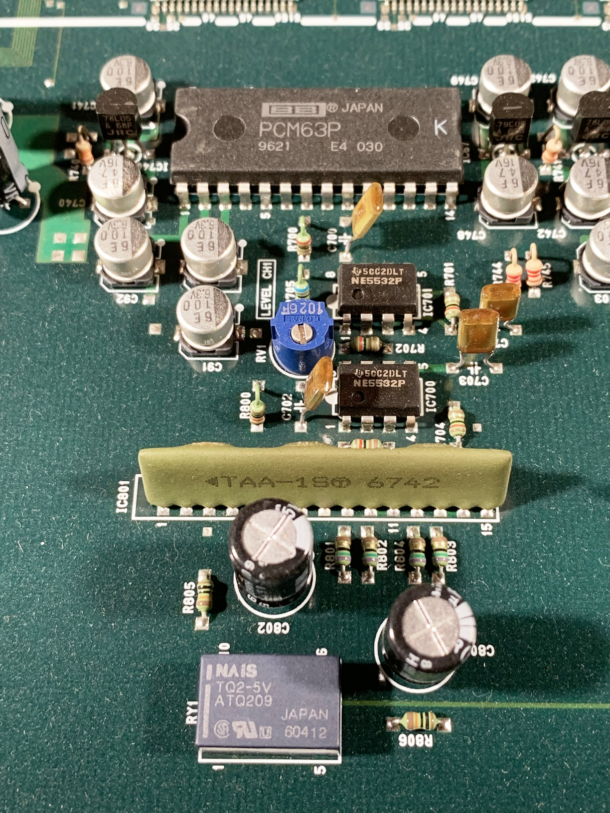 DMX-E3000-board3.jpg