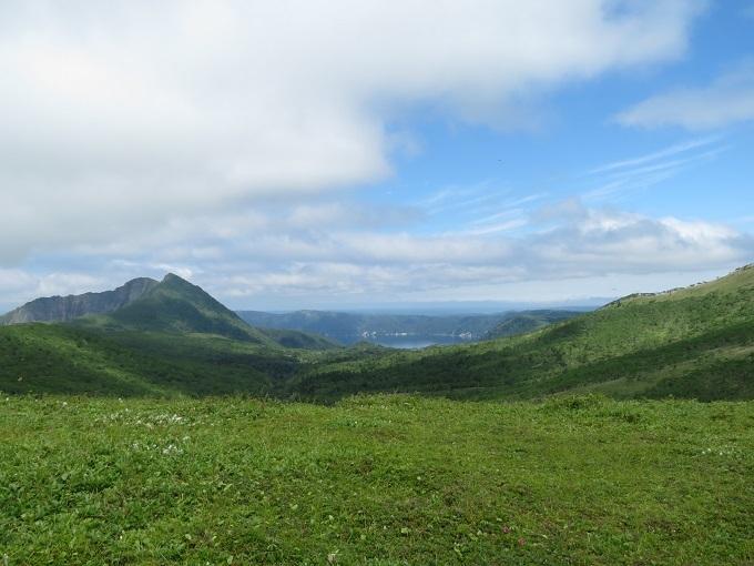 摩周岳と摩周湖