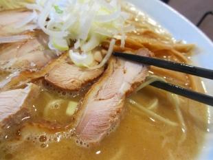 ダルマ食堂 鶏コッテリラーメン 鶏チャーシュー