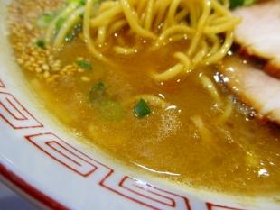 仁 和歌山ラーメン スープ