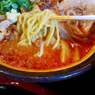 まごころ亭 特製海老辛味噌ラーメン 麺スープ