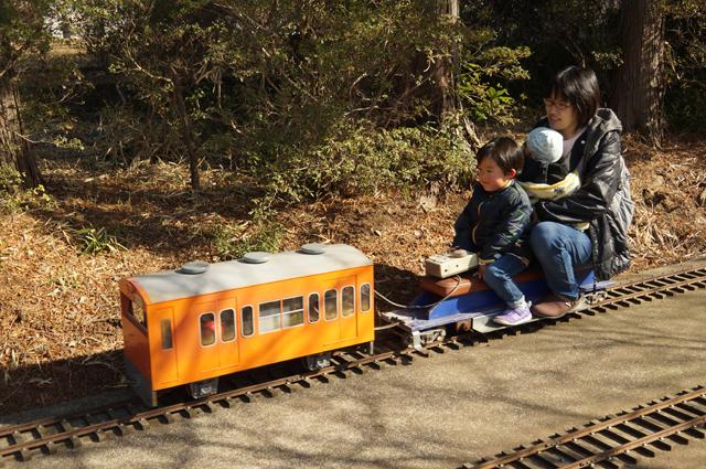 カミさんと娘と息子が乗る中央線