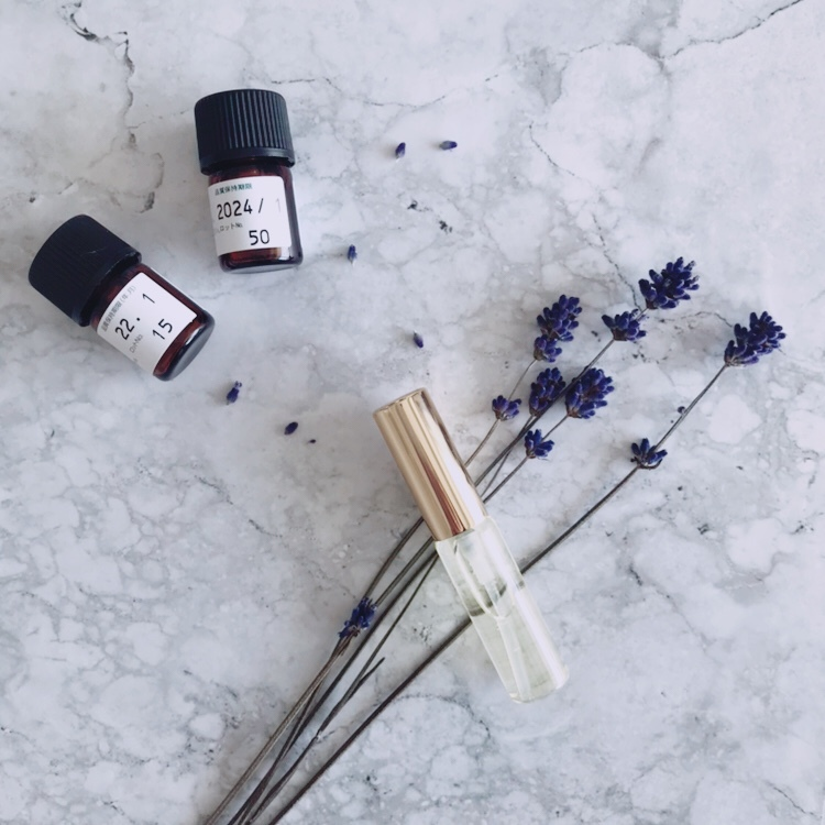 香りの心理分析・アロマアナリーゼ個人セッション!鑑定書&香水付き