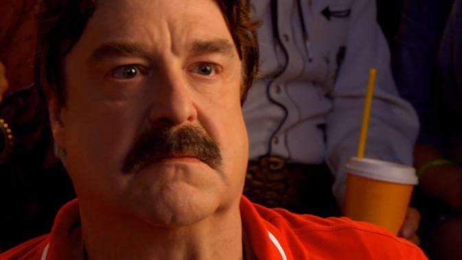 sr-John Goodman as papa racer