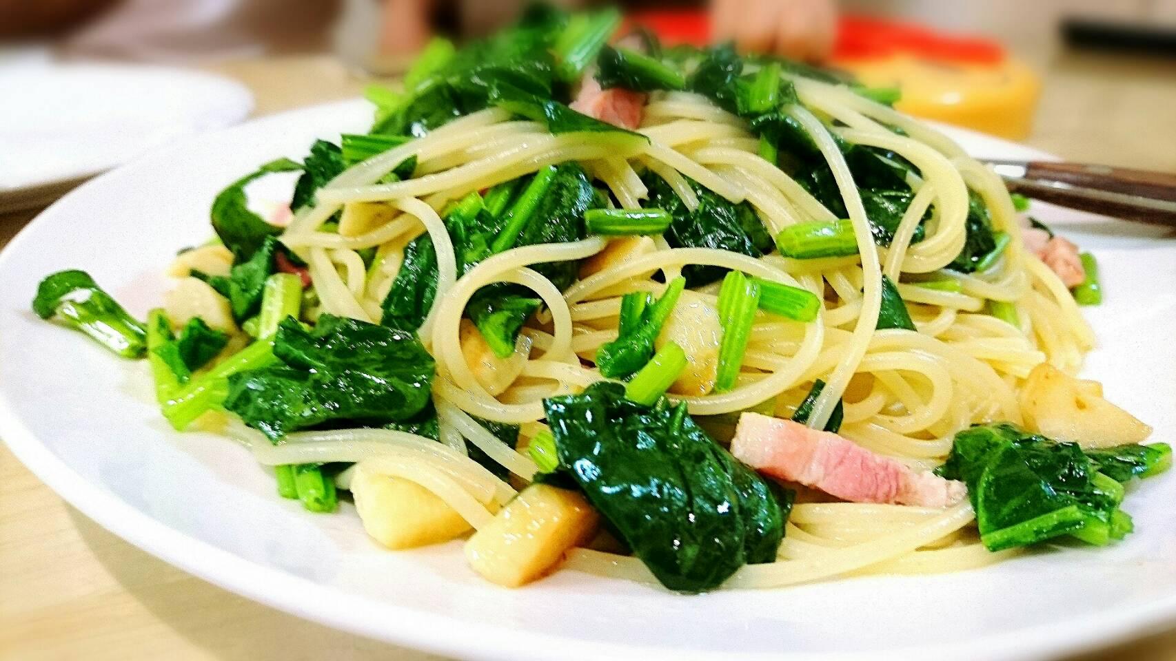 【イタリアン】パンチェッタとほうれん草のスパゲティー