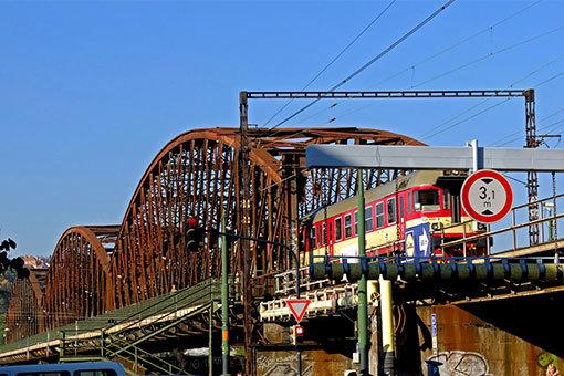 プラハ ヴィシェフラッド鉄橋
