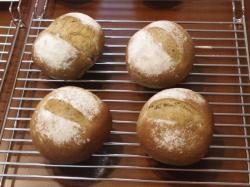 ほうじ茶豆パン2