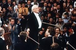 Leonard Bernstein dirigiert am 25. Dezember 1989