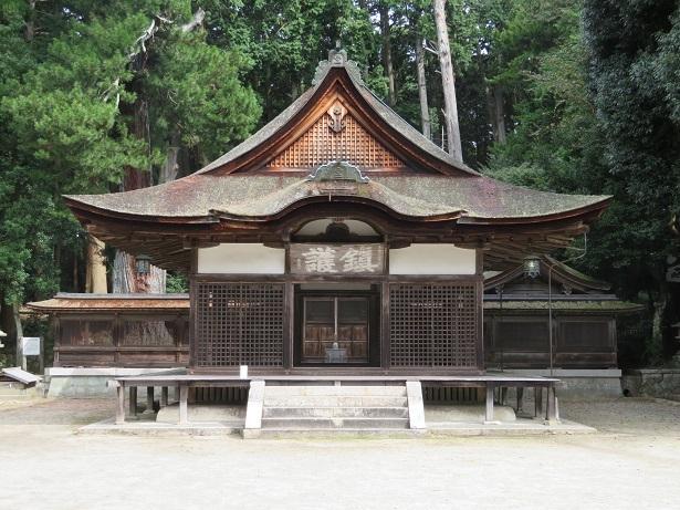 油日神社拝殿