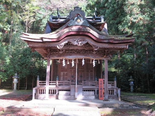 大瀧神社 拝殿・本殿
