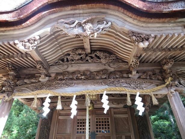 大瀧神社 拝殿の彫刻