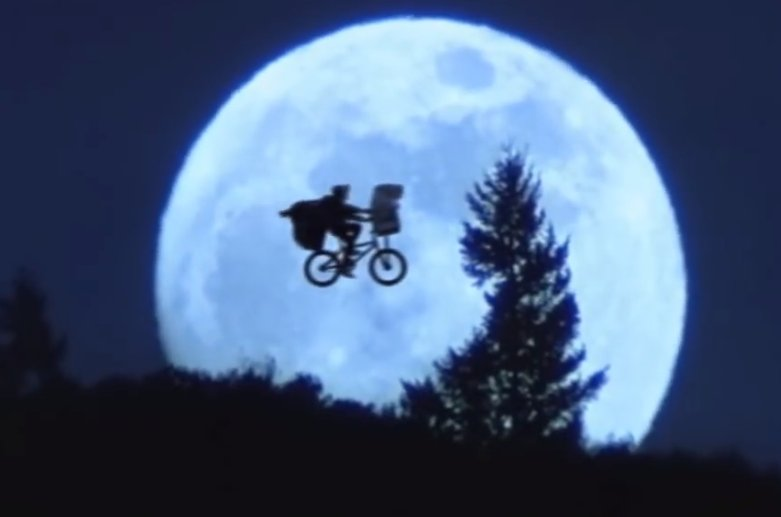E.T. 見ました