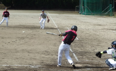 P3160134Levisage2回裏1死一三塁から7番が中前打を放ち1点先制