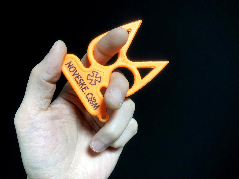 6実物 NOVESKE Equalizer Keychain Plastic marked MADE IN USA!! ノベスケ ノベスキー キャットナックル キーチェーン 護身用 雑貨 小物 ミリタリー!購入 レビュー