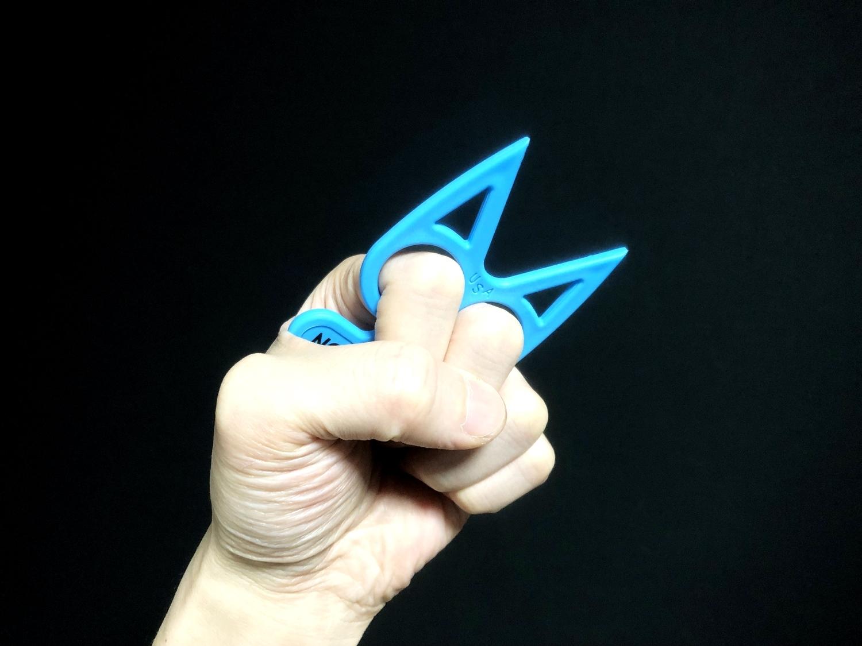9実物 NOVESKE Equalizer Keychain Plastic marked MADE IN USA!! ノベスケ ノベスキー キャットナックル キーチェーン 護身用 雑貨 小物 ミリタリー!!購入 レビュー
