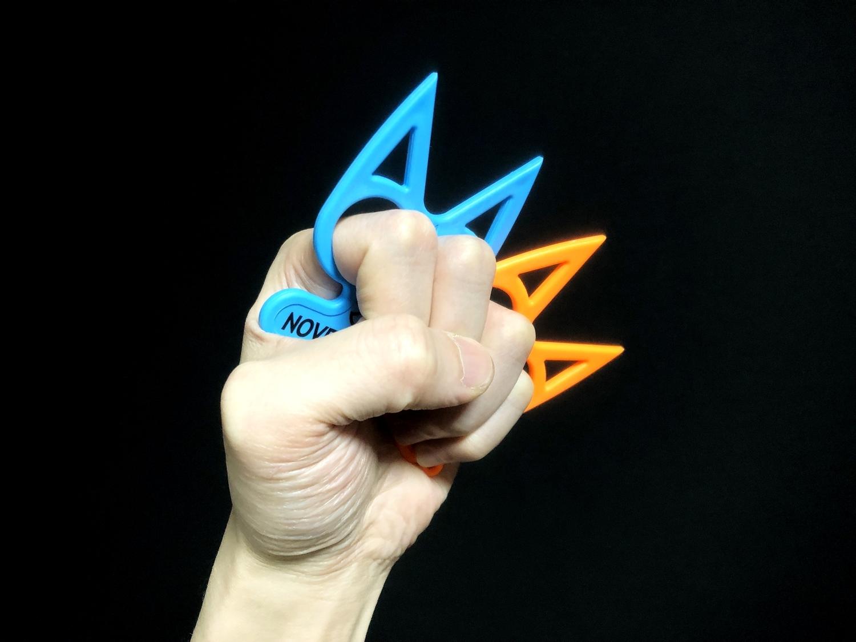 11実物 NOVESKE Equalizer Keychain Plastic marked MADE IN USA!! ノベスケ ノベスキー キャットナックル キーチェーン 護身用 雑貨 小物 ミリタリー!購入 レビュー