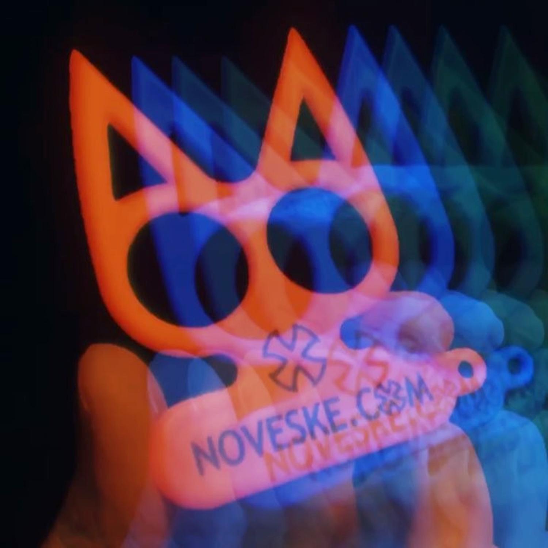 00実物 NOVESKE Equalizer Keychain Plastic marked MADE IN USA!! ノベスケ ノベスキー キャットナックル キーチェーン 護身用 雑貨 小物 ミリタリー!購入 レビュー