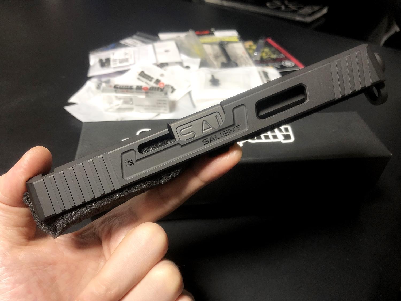 2【前半】 SAI GLOCK カスタムスライド G18C 組込完了!! やっと組み立てたぞ!! Guns Modify Salient Arms GM0251 スライドパーツ 購入 組込 分解 取付 カスタム レビュー!!
