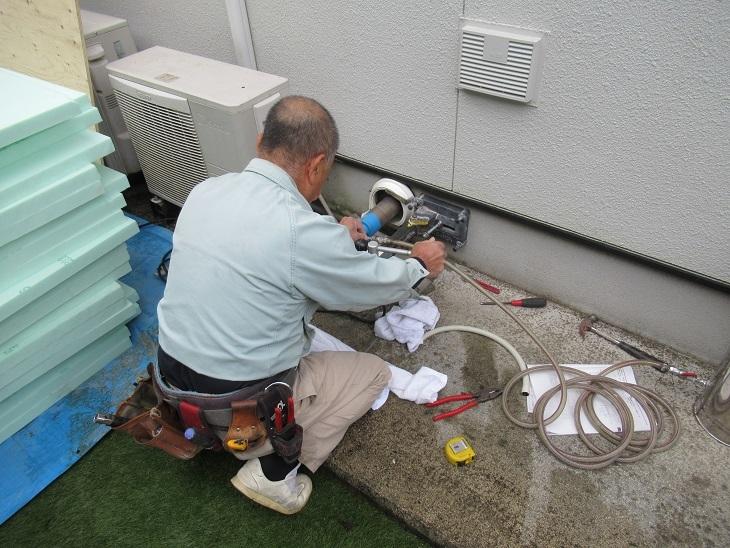 北広島床暖②基礎穿孔