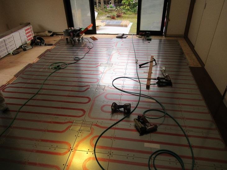 北広島床暖⑤パネル敷設