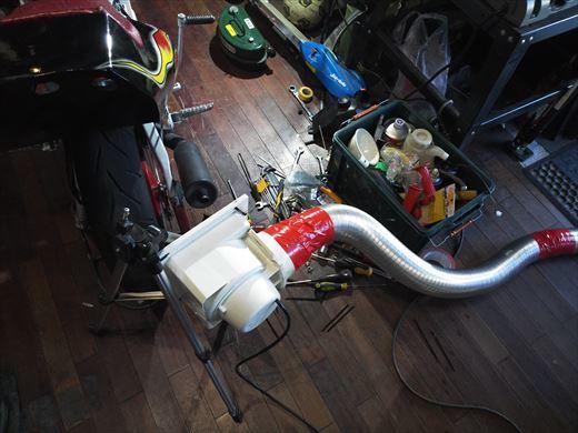 排気ガス排出 (7)