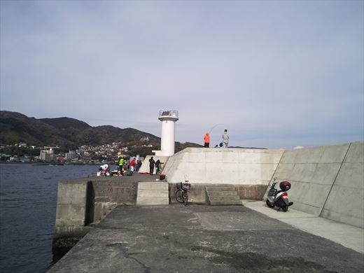 白灯台堤防で釣り (6)