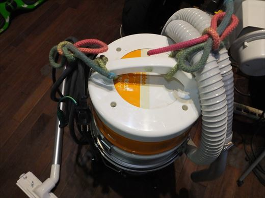 バキュームのコードハンガー (4)