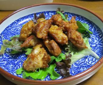ミックスレタスと鶏肉揚げ物