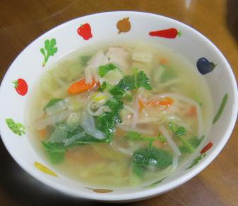 ラデッシュの葉入りスープ