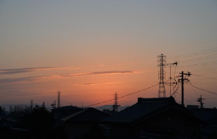 2019-2-5本日の夜明け、紫色の細い雲
