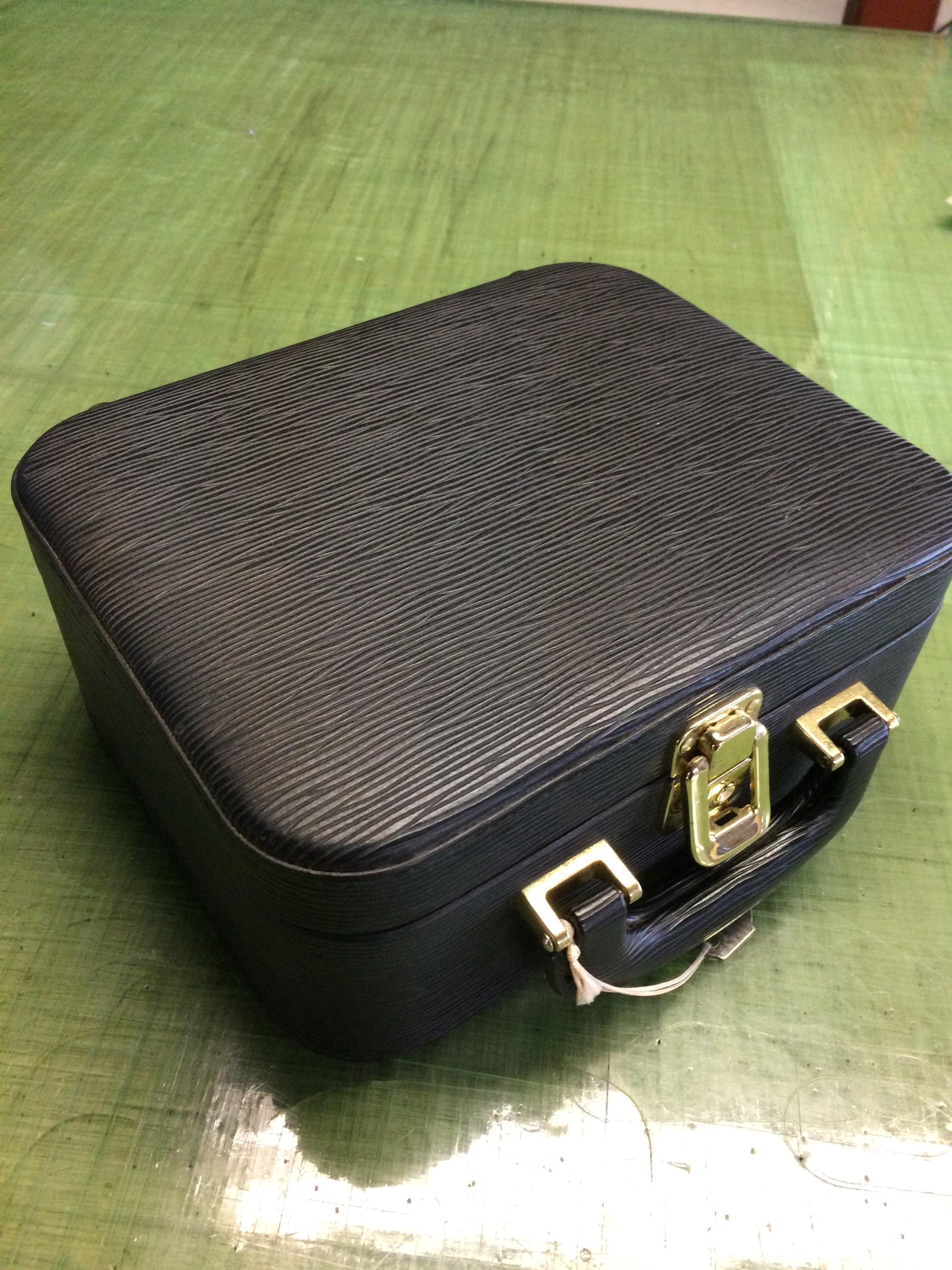 タカベ株式会社製 セミハードケース
