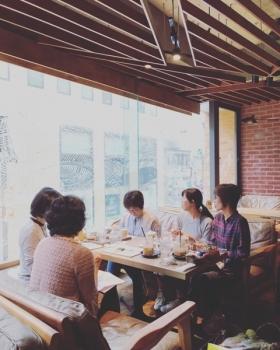 201810 Thecafe ニットカフェ