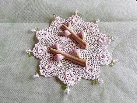 0314桜 蕾の箸置き1jpg