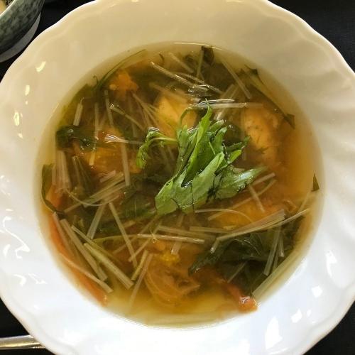 水菜とトマトのスープ