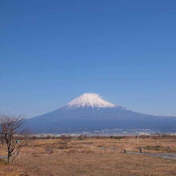 600富士川から見た富士山181124