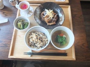 5健康キッチンループの日替定食0205