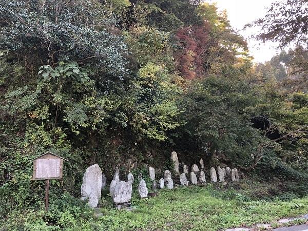 丸山石仏群と呼ばれる石仏様…山全体に100体ほどあるそうですよ