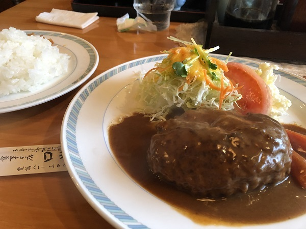 玉野市御崎にある お食事の店『ロッジ』のハンバーグステーキ♪