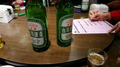 ビールはセルフで運びます