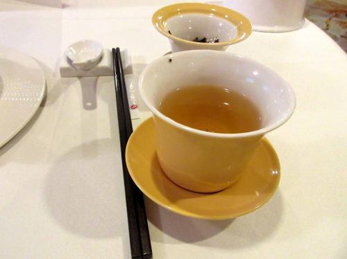 お茶は東方美人
