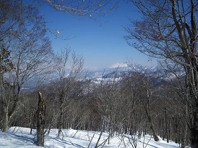 至仏山の山並み