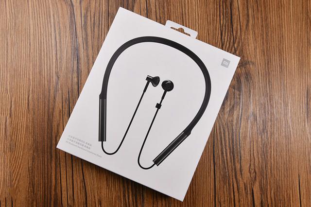 Mi_Bluetooth_Neckband_Earphones_Basic_01.jpg