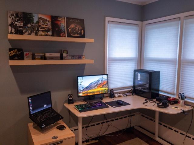 PC_Desk_131_04.jpg