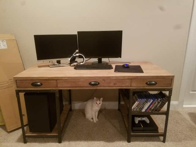 PC_Desk_131_08.jpg
