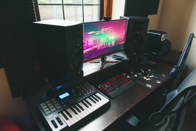PC_Desk_131_09.jpg