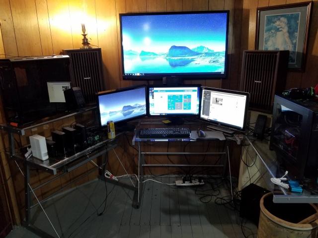 PC_Desk_131_14.jpg