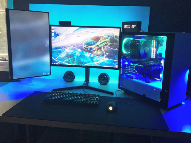 PC_Desk_131_21.jpg