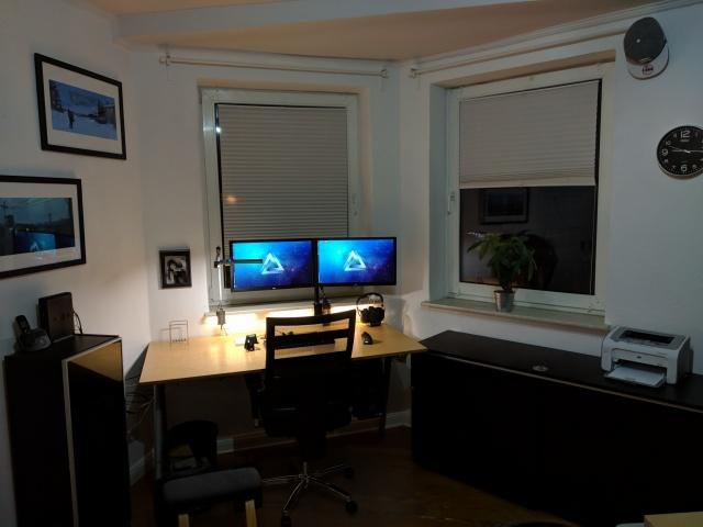 PC_Desk_131_24.jpg