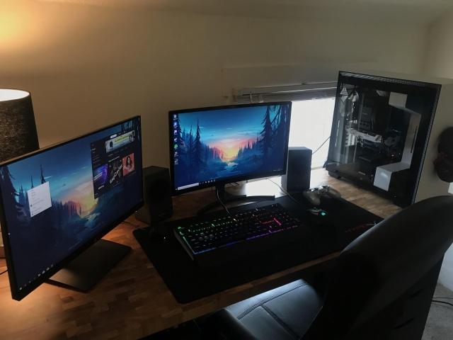 PC_Desk_131_25.jpg